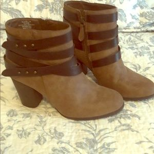 Madden girl booties size 7.5. Excellent condition
